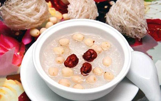 Tổ yến hầm hạt sen, táo đỏ, long nhãn